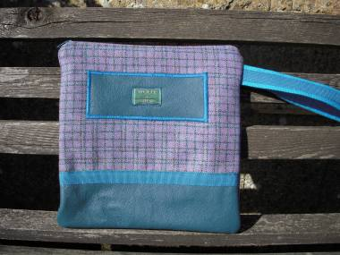 Welsh wool with jade nappa
